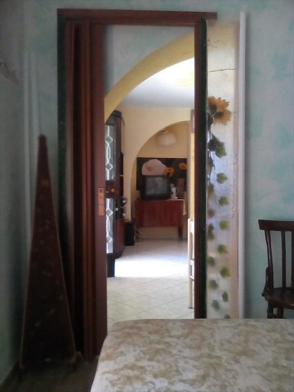 Monolocale in palazzo storico montecorvino rovella salerno for Monolocale arredato salerno