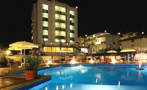 Hotel Avila Torre Pedrera Recensioni