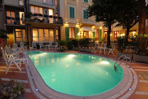 Hotel reale montecatini terme pistoia - Del taglia piscine ...