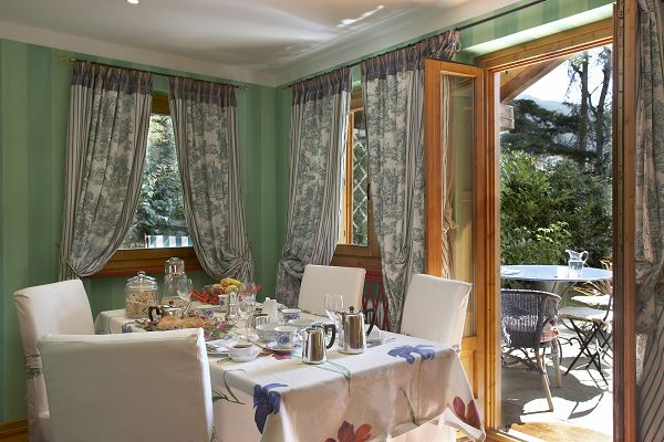 Il giardino dell artemisia a gressan ao for Bed and breakfast area riservata