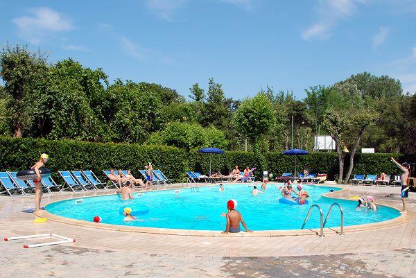 Campeggio europa viareggio lucca - Del taglia piscine ...