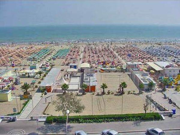 Spiagge riviera romagnola per animali dog beach e stabilimenti balneari nella riviera - Web cam rimini bagno 55 ...