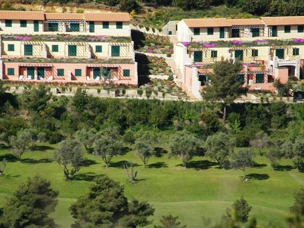 Elba Golf Apartments