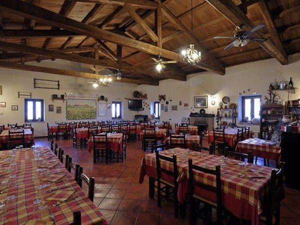 Agriturismi cilento per animali masserie e country house for Interno casa antica