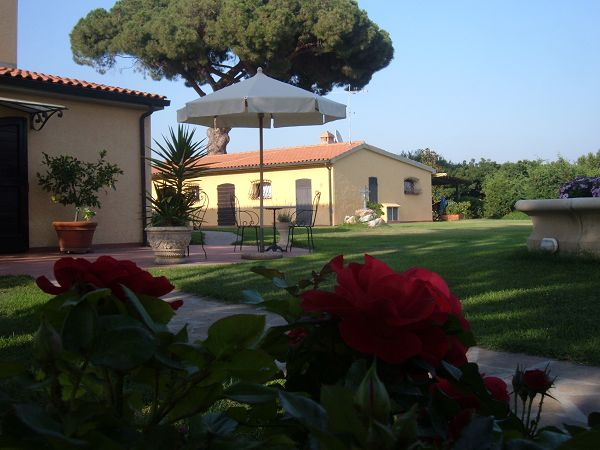 Podere conte gherardo a castagneto carducci li for Bed and breakfast area riservata